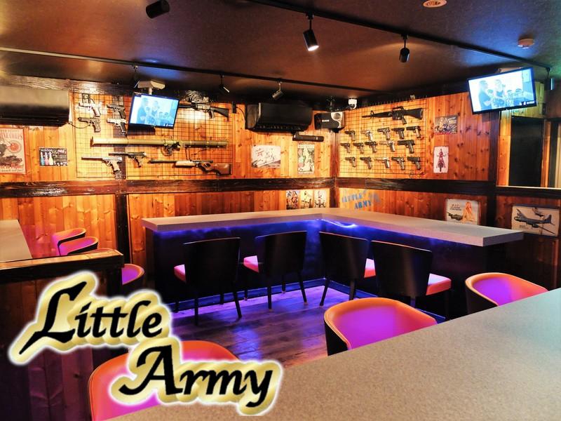 迷彩ガールズバー Little Army